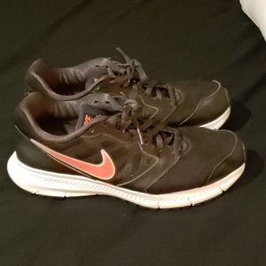 Nike Downshifter 6 Black/Hyper Punch Running Shoe
